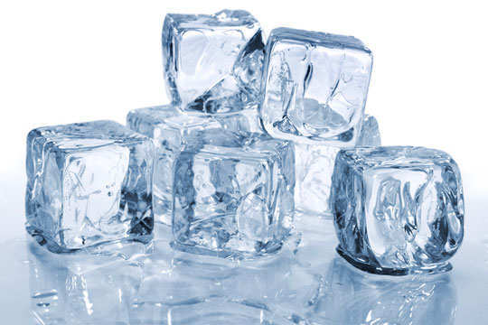 cold-sores-home-remedies-ice-cubes