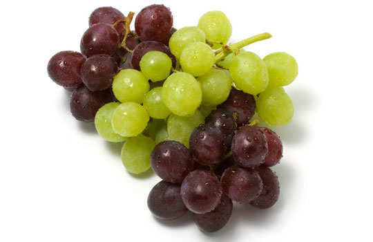 dry-out-pimples-home-remedies-grapes