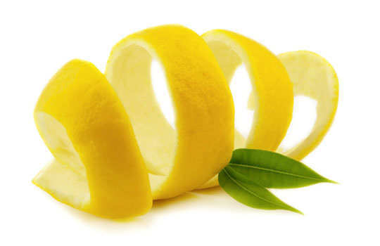 eyelashes-home-remedies-lemon-peels