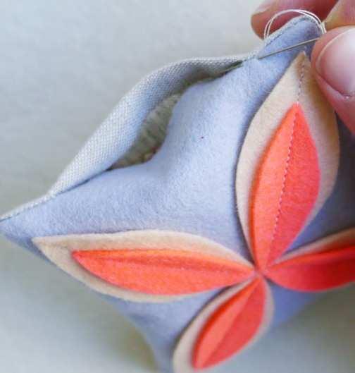flower-sachet-stitch