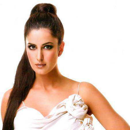 katrina-kaif-sporty-high-pony-tail