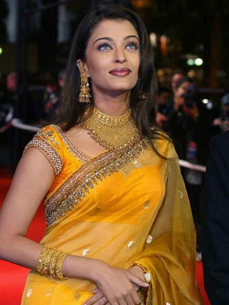 shimmer-outfits-bollywood-aishwarya