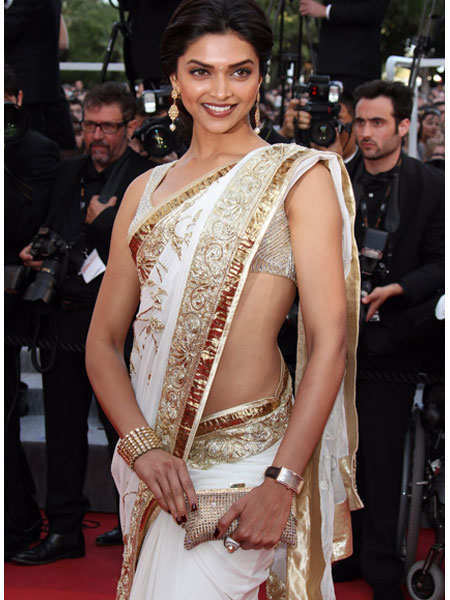 shimmer-outfits-bollywood-deepika
