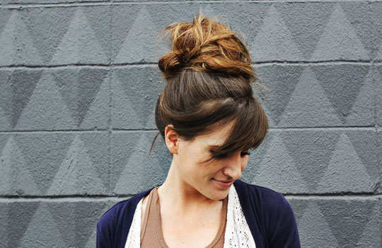 tricks-to-look-beautiful-in-summers-messy-top-knot