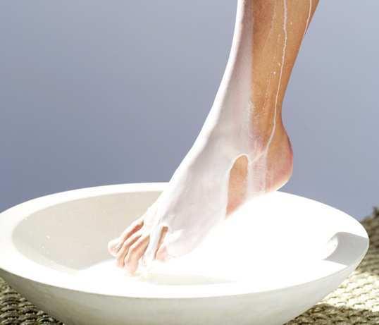 DIY-Milk-Foot-Spa-at-Home