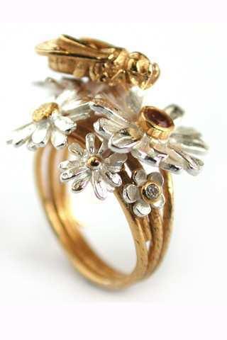 Honeybee-ring