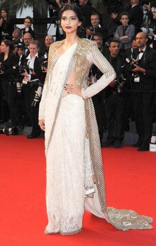 Sonam-Kapoor-at-Cannes-2013