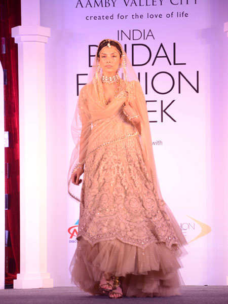 celeb-india-bridal-fashion-week-2