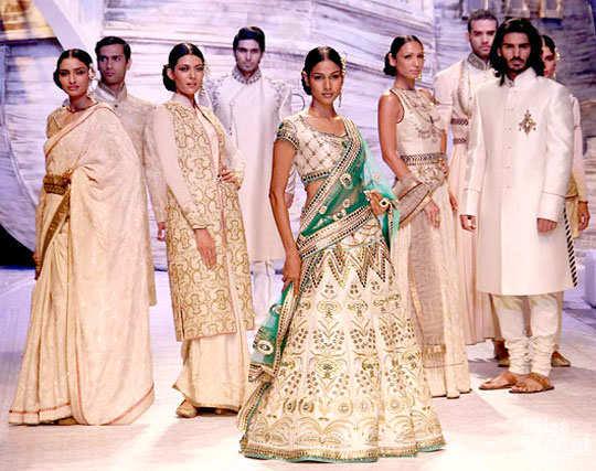 celeb-india-bridal-fashion-week-5