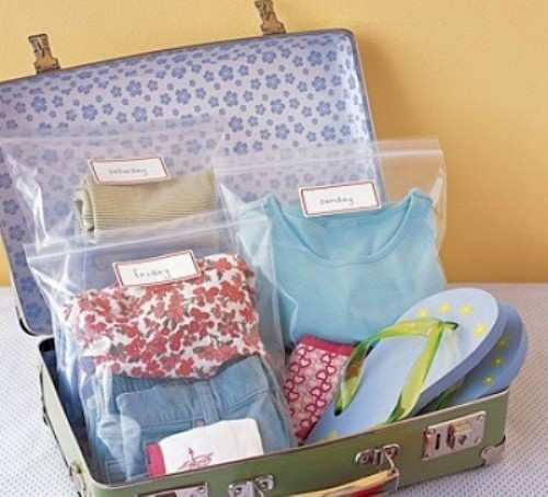 clothes-in-suitcase
