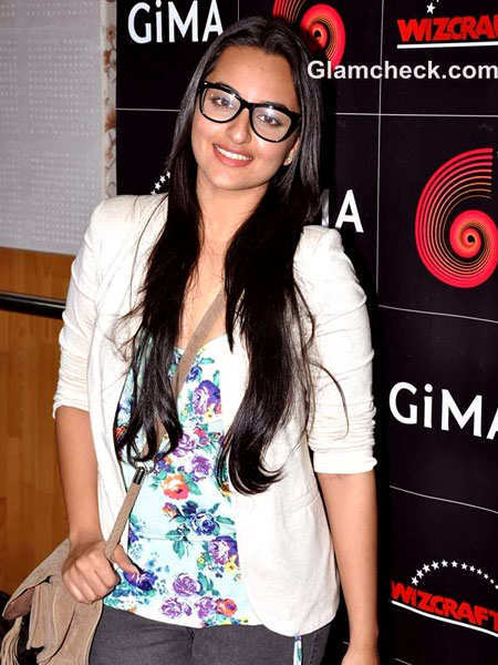 geeky-glasses-celebs-6