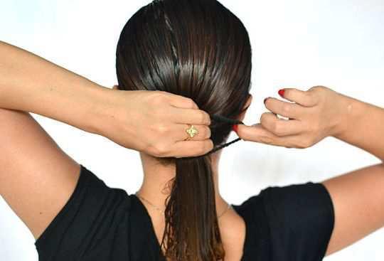 girl-tie-hair