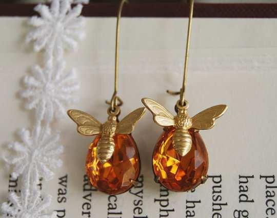 honey-bee-earring-1