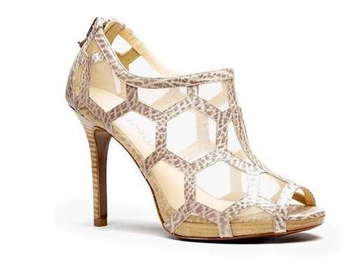 honey-bee-shoe-4