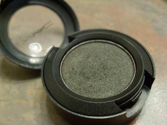 mac-club-eyeshadow