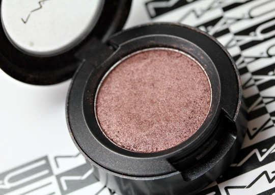 mac-sable-eyeshadow