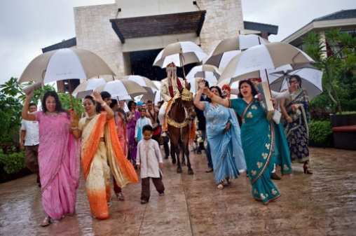 rain-at-Indian-wedding