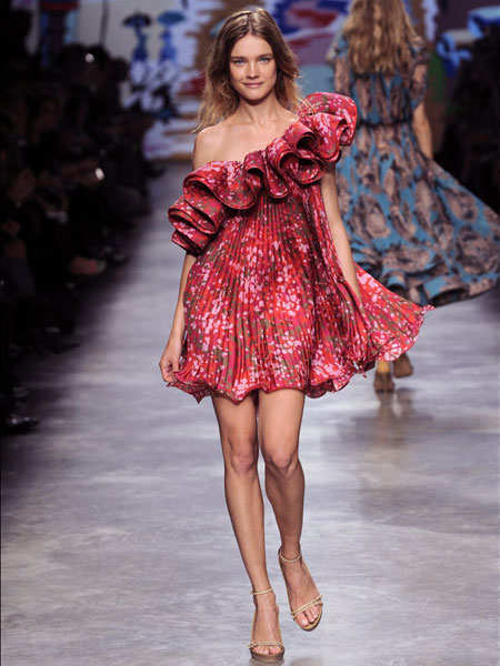 trend-report-on-fashion-reslient-ruffles-3