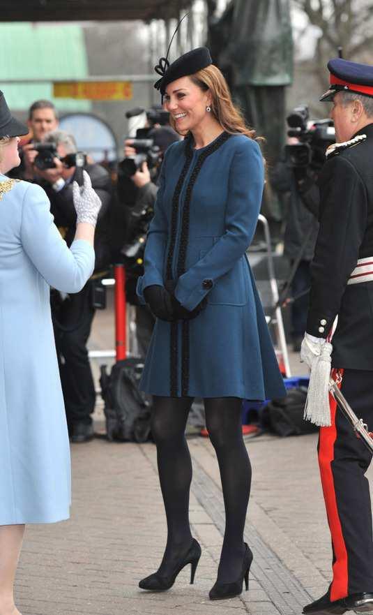 Kate-Middleton-bluel-Coat