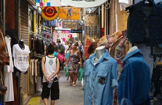 bangkok-shopping-clothes-2
