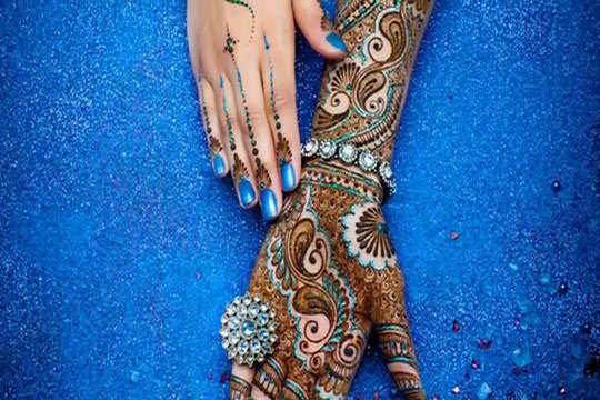 glitter-mehndi-design-blue