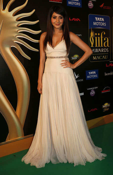 iifa-2013-best-dressed-celebs-anushka-sharma