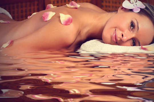 rose-water-aroma-therapy-a