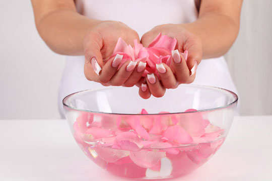rose-water-ph-balance-skin