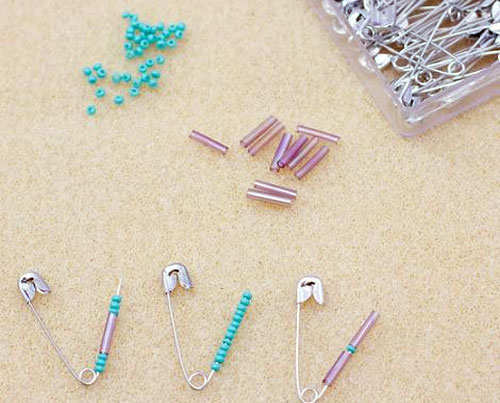 safety-pin-bracelet-diy-step-2