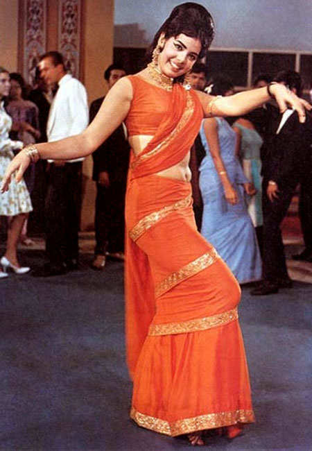 signature-moves-bollywood-celeb-mumtaz
