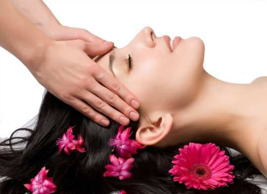 Aromatherapy-hair-massage
