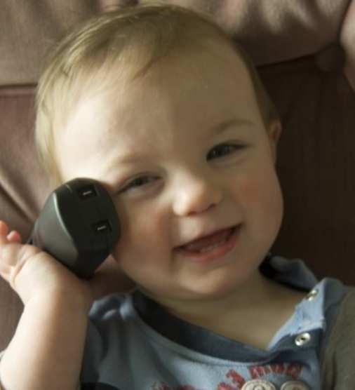 Baby-on-phone1