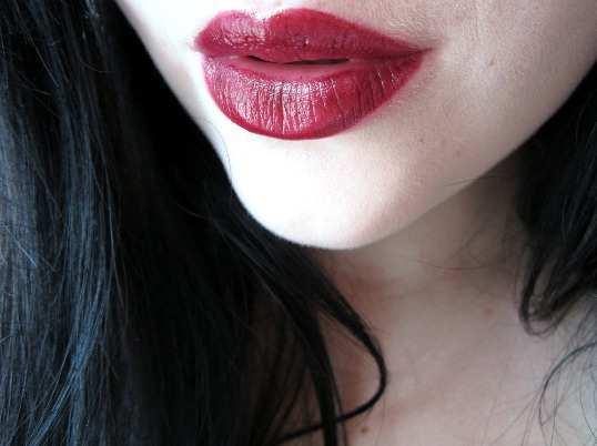 Revlon-Super-Lustrous-Lipstick-Black-Cherry