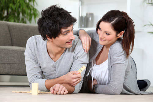 couple-playing-game-together