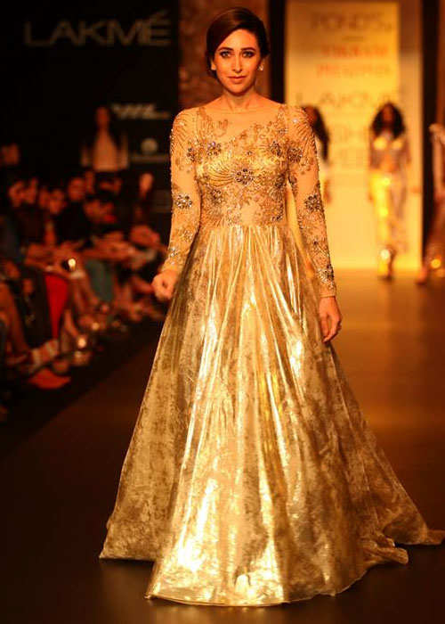 lakme-fashion-week-2013-karishma-kapoor-1
