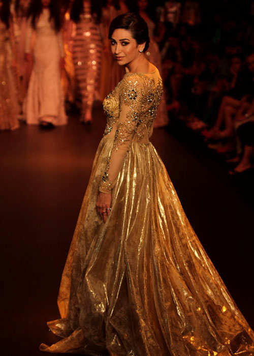 lakme-fashion-week-2013-karishma-kapoor-3