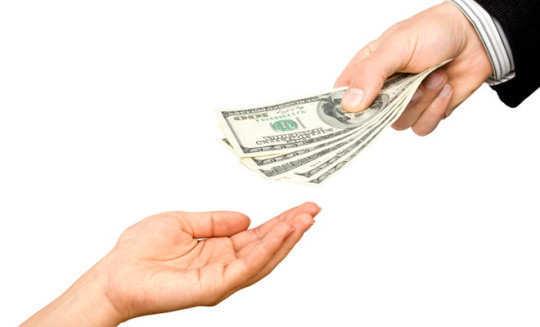 man-give-money-woman-hand