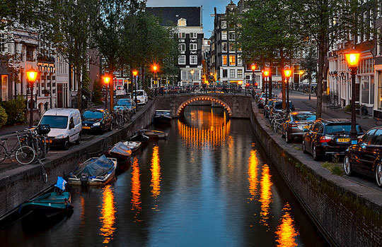 romantic-destinations-to-propose-amsterdam