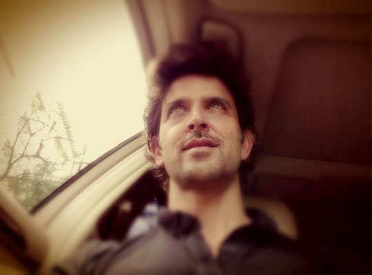 selfie-pics-hollywood-bollywood-celebs-hrithik-roshan