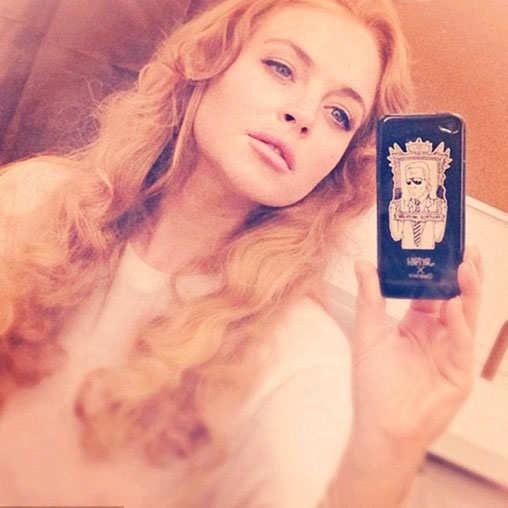 selfie-pics-hollywood-bollywood-celebs-lindsay