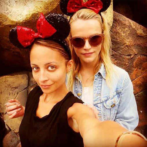 selfie-pics-hollywood-bollywood-celebs-nichole-richie