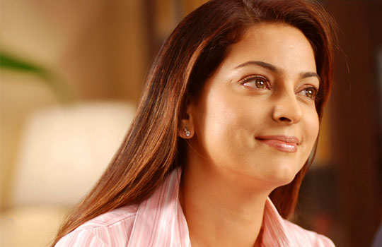stars-who-turned-singers-bollywood-juhi