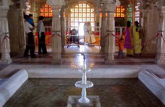 udaipur-tour-city-palace-amar-vilas