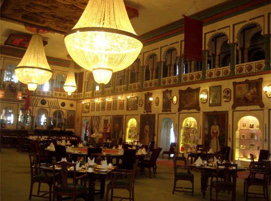 udaipur-tour-city-palace-durbar-hall