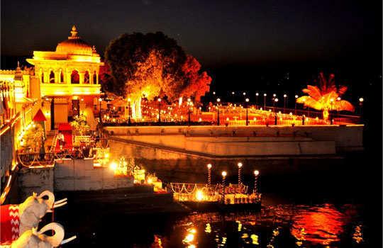 udaipur-tour-city-palace-jag-mandir