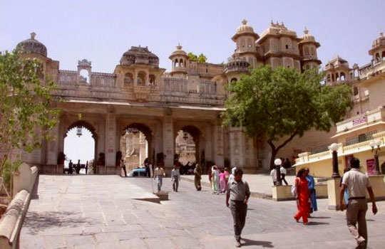 udaipur-tour-city-palace-rang-bhawan
