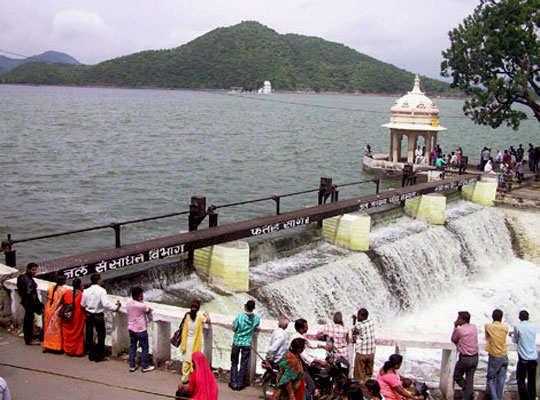 udaipur-tour-fatehsagar-lake