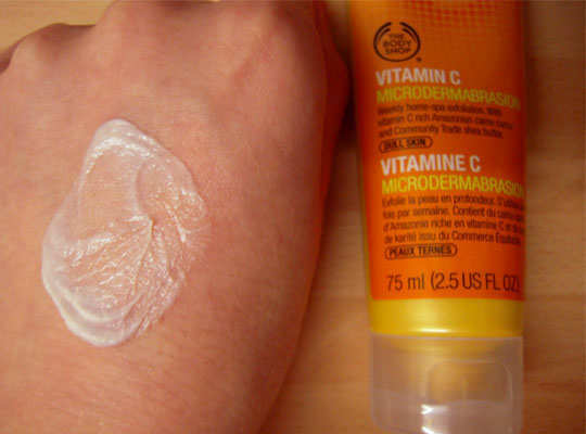 vitamin-c-microdermabrasion-the-body-shop-review-3