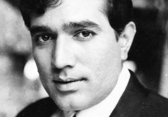 Stars-Who-Passed-Away-Rajesh-Khanna