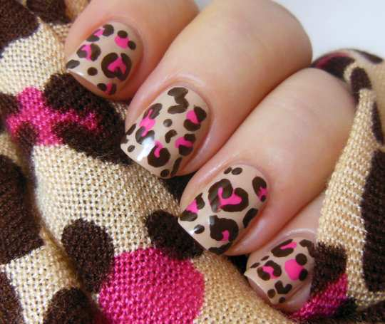 disney-leopard-print-nails